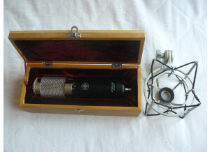 Sterling Audio ST 79