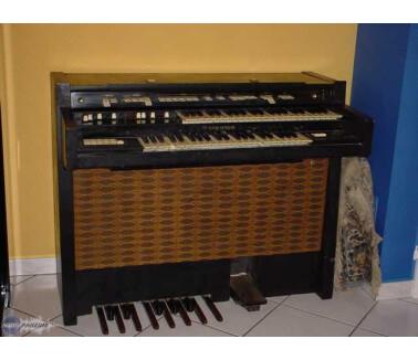 Hammond T200