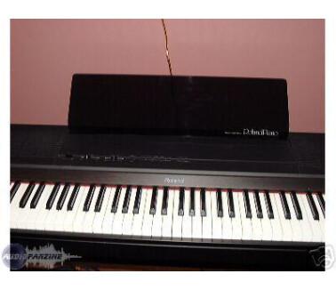 Roland HP800