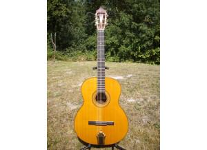 Luthier jp favino modèle georges brassens