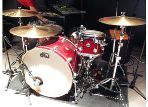 DW Drums Collector's Series Ruby Glass / Satin Chrome Hardware