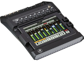 [NAMM] Mackie DL806 mixer and DLM speakers