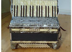 Hohner Tango II  (Pre-1950)