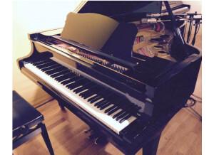 Yamaha G5 Piano