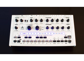 Abstrakt Instruments Avalon, synth and sequencer