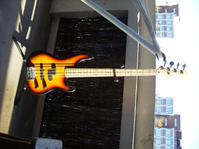 Fender Precision Bass Plus [1989-1993]