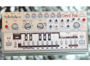 Roland TB-303 Devil Fish