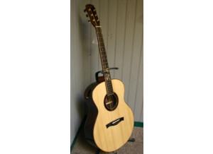 Maestro Guitars Raffles MB