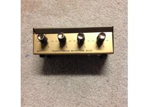 Kent Guitars TRANSISTORIZED MICROPHONE MIXER