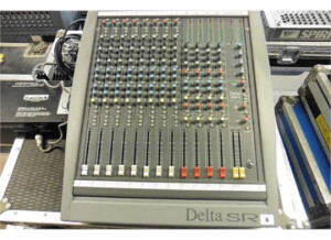 Soundcraft Delta SR8