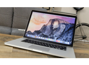 Apple MacBook Pro Retina 15.4'' Intel Core i7 2.8 GHz RAM 16Go SSD 1To