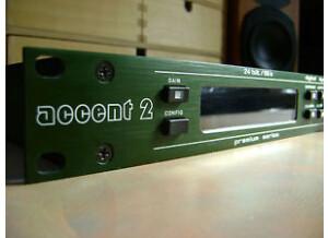 Junger Accent 2