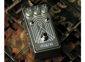 SolidGoldFX Athena - Vibra Phase