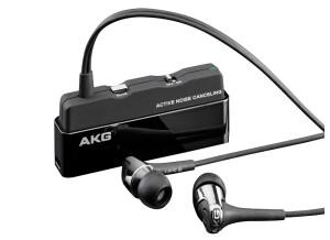 AKG K390