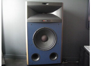 JBL 4365 studio monitor