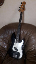 """Fender Precision Bass made in Mexico """"Squier Series"""""""