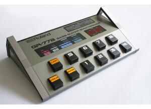 Roland GR-77B