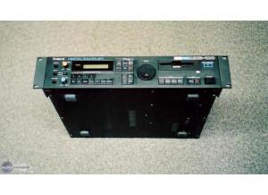 Roland MKS-100