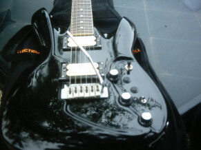 Switch Guitars INNOVO  MIDI GUITARE IV