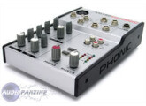 Vends compact mixer PHONIC AM 120