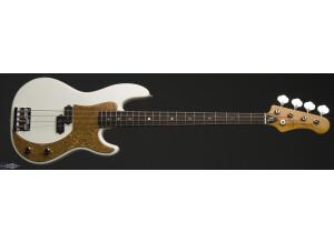 Luna Guitars Paz Lenchantin Signature Bass