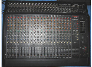 Tascam M-1024