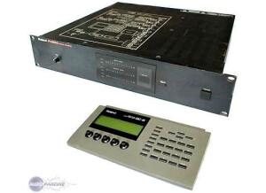 Roland R-880