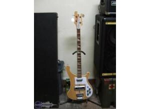 Rickenbacker 4000