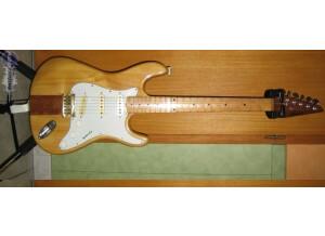 Almirez Stratocaster