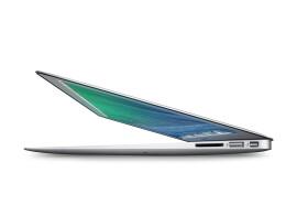 MacBook Air, mi-2013, Core i7, 8 Go / 250 Go, port compris (France)