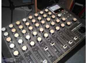 Mi - Musique Industrie pmi 2200
