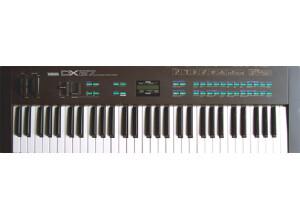 Yamaha DX27