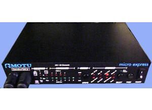 MOTU Micro Express port parallel ou ADB