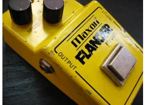 Maxon FL-301 V2