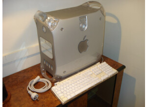 Apple Power Mac G4 (Quicksilver 2002)