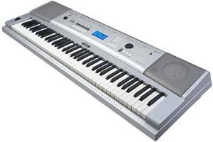 Yamaha DGX-230