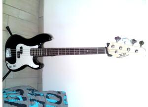 Xp Presicion Bass