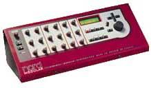 Les multiples potentiomètres des Clavia Nord Modular rack et clavier